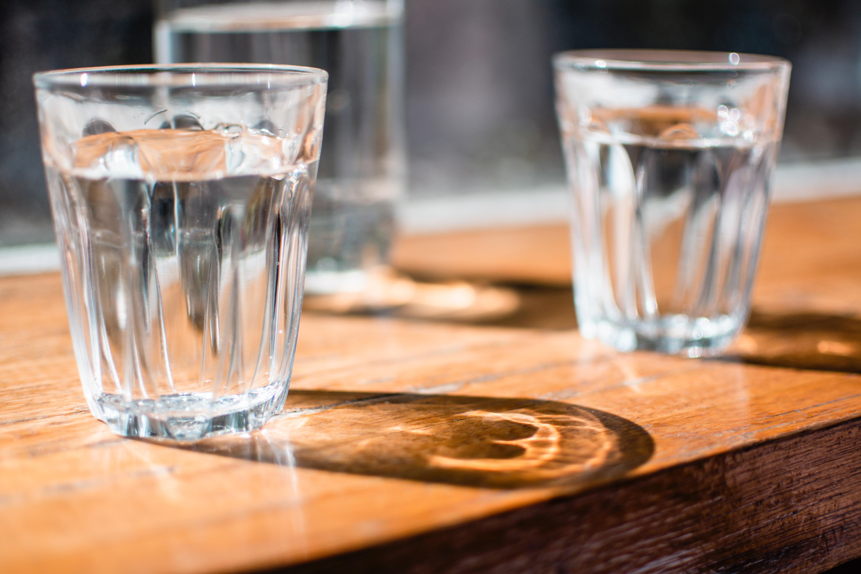 今日から始められる!「水飲み簡単デトックス」