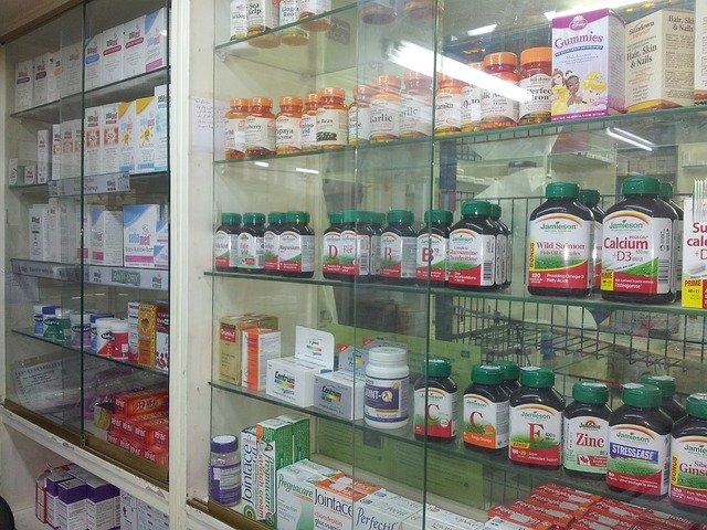 海外でよく飲まれているサプリメントとは?個人輸入する際の注意点も解説