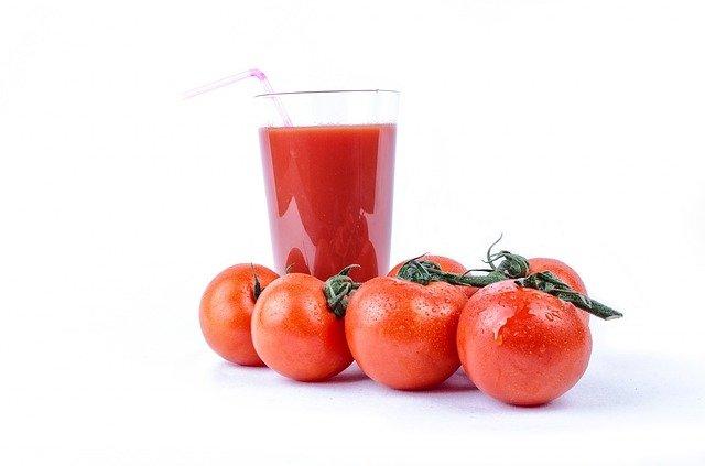 トマトジュースはファスティングにぴったり?回復食としての利用法も解説