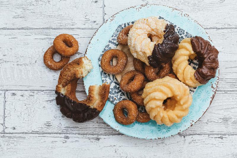 甘いものが無性に食べたい!は要注意?食べたい食品別に原因、対処法を解説