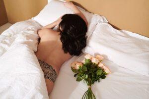 寝る時にブラジャーは本当に必要?