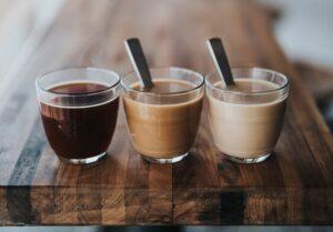 むくみにくいコーヒーの飲み方を紹介