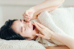 規則正しい生活を!良質な睡眠が若返りホルモンを増やすって本当?